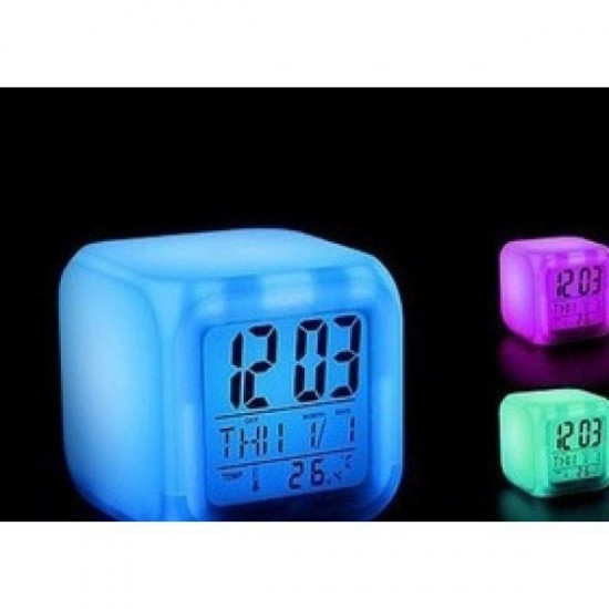 Pazariz  7 Renk Değiştiren Küp Saat